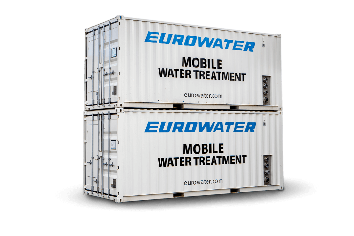 Mobile water treatment in container