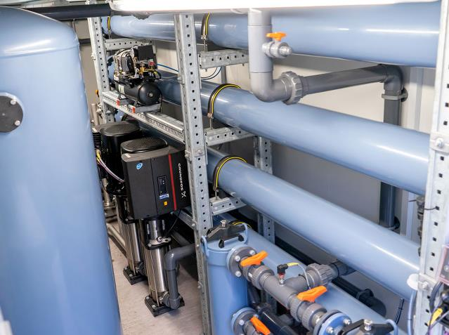 Reverse osmosis unit installed in container